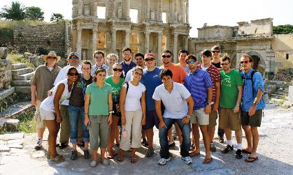 Study abroad students gather for a group photo