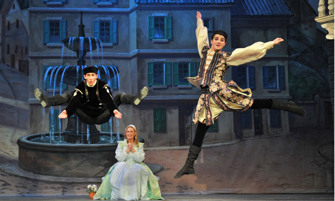 Kiss Me Kate at Forbes Center by Richard Finkelstein