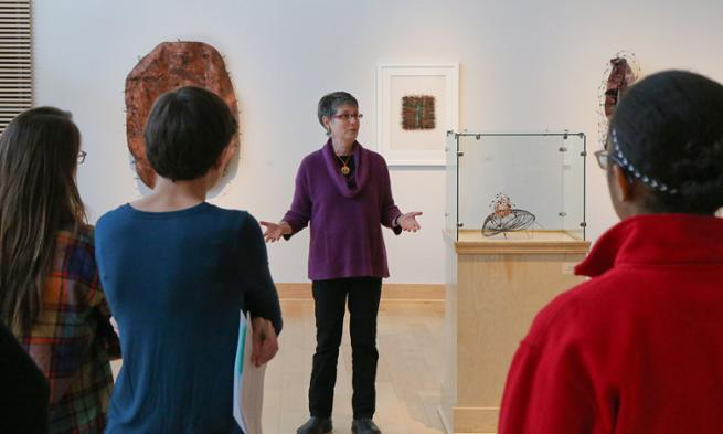 Rebecca Kamen talks to JMU sculpture class