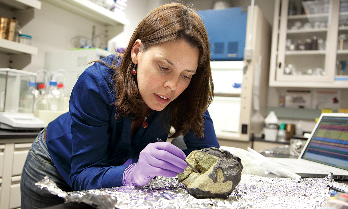 Jennifer Eigenbrode, biogeochemist and geologist, searches for life on Mars