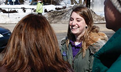 Student Ambassador Rachel Rosenburg ('10) talks to prospective students about all JMU has to offer.