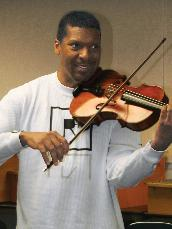 Professor, conductor and violist Amadi Azikiwe talks about mentoring, the Harlem Symphony Orchestra and JMU