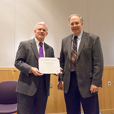 Paul Copley receiving the Distinguished Teacher Award - 2017