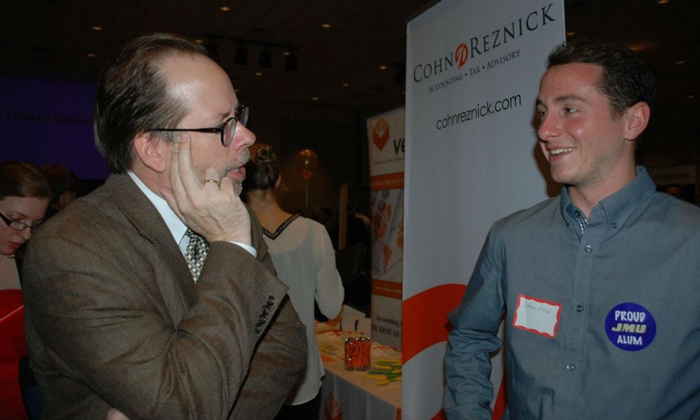 image: /_images/cob/faculty-miscellaneous/tim-louwers-at-meet-the-firms-1000x600.jpg