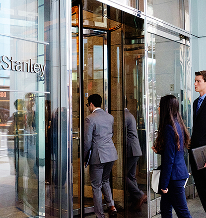 Students entering the Morgan Stanley building on the NY City trip