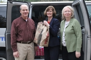 Spring Food Drive Results: 4,028 Items for Local Food Pantry
