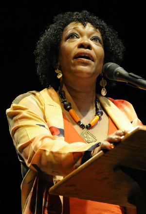 Rita Dove reads in tribute to Lucille Clifton (2010).