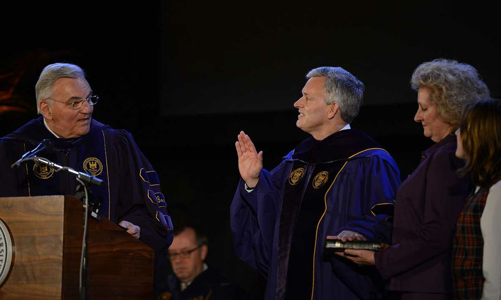 Rector Funkhouser administers oath of office