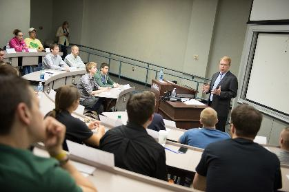 Hinshaw speaks with CIS students