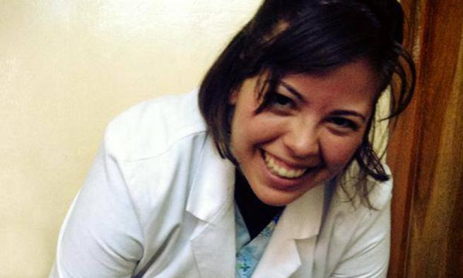 Michelle Amaya working in Bolivian hospital