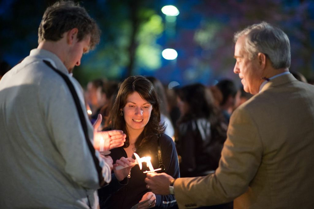Students and alumnus at 2013 Alumni Candlelighting Ceremony