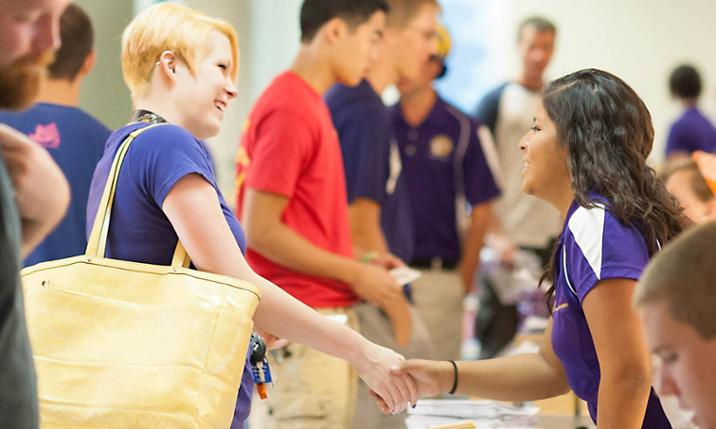 Transfer students check in at JMU's Summer Springboard event