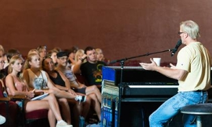 Phil Vassar teaches master class at JMU