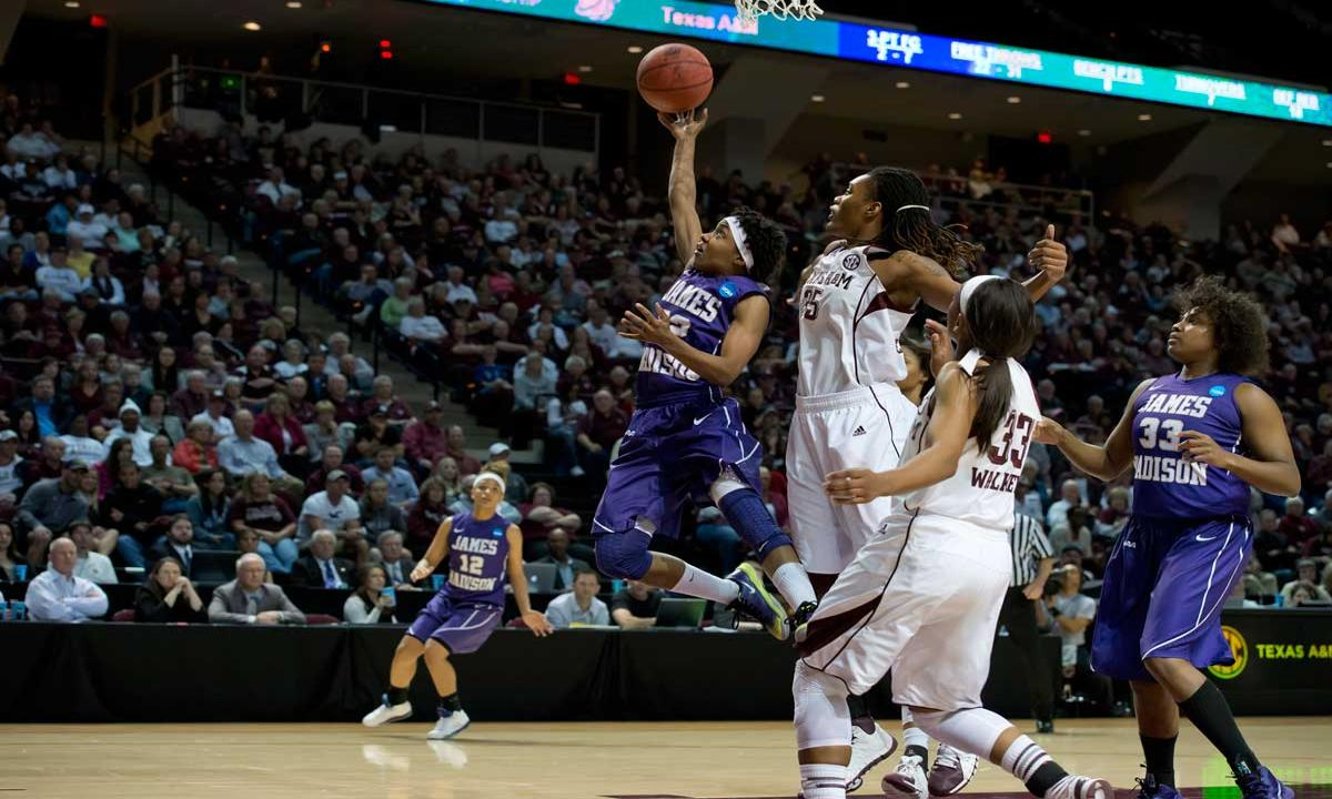 Putting on a show - Angela Mickens alludes Texas A&M defenders in NCAA play.