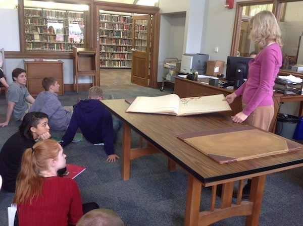 GWRTC 103 students view Special Collections