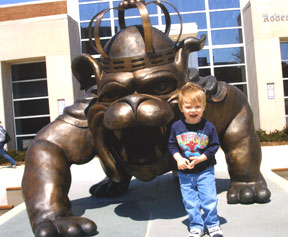 Jacob Hilton with the Duke Dog Statue