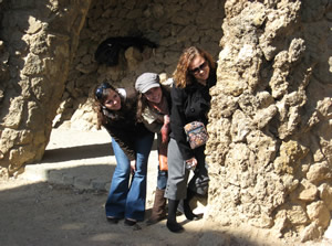 playing in parque guell