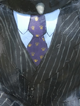 Close up of MadiSun's tie